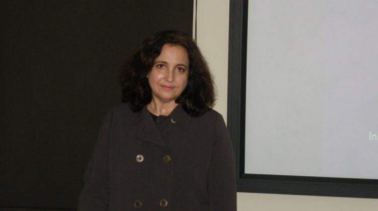 """La Dra. Elvira López Caballero imparte en la RACVE una conferencia sobre """"Recubrimientos comestibles"""""""