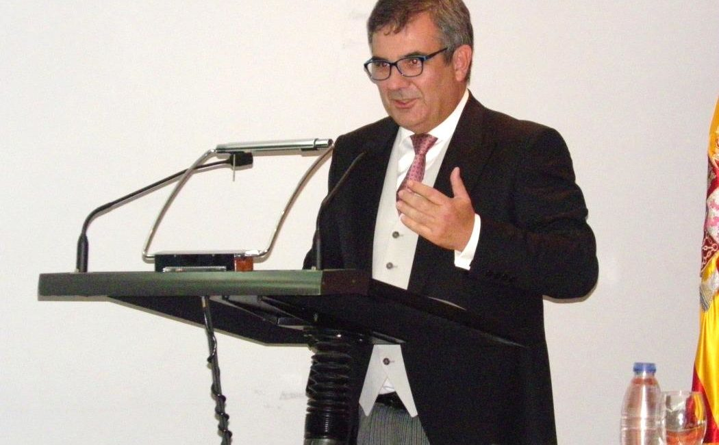 El Dr. Juan María Vázquez Rojas académico de número de la RACVE
