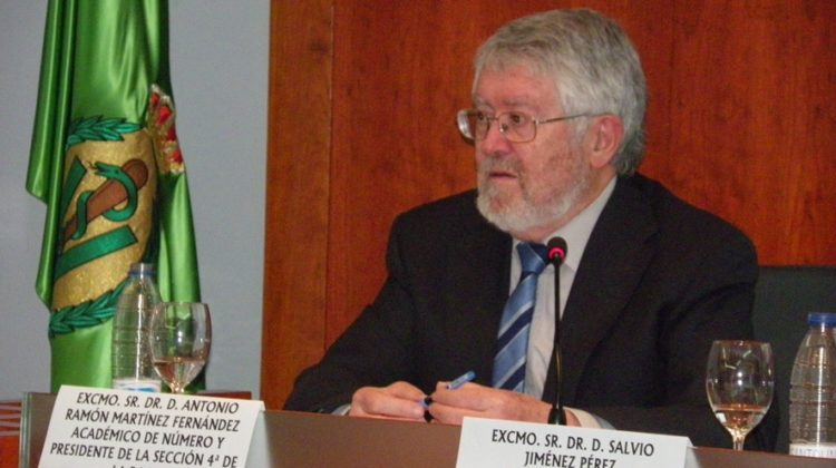 El Dr. Antonio R. Martínez pronuncia en la RACVE una conferencia sobre las triquinas en la Península Ibérica