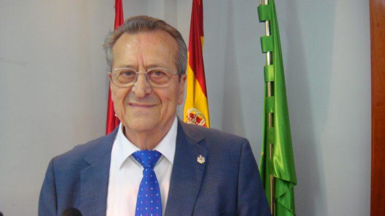 El Dr. González de Posada analiza en la sede de la RACVE el Principio Antrópico