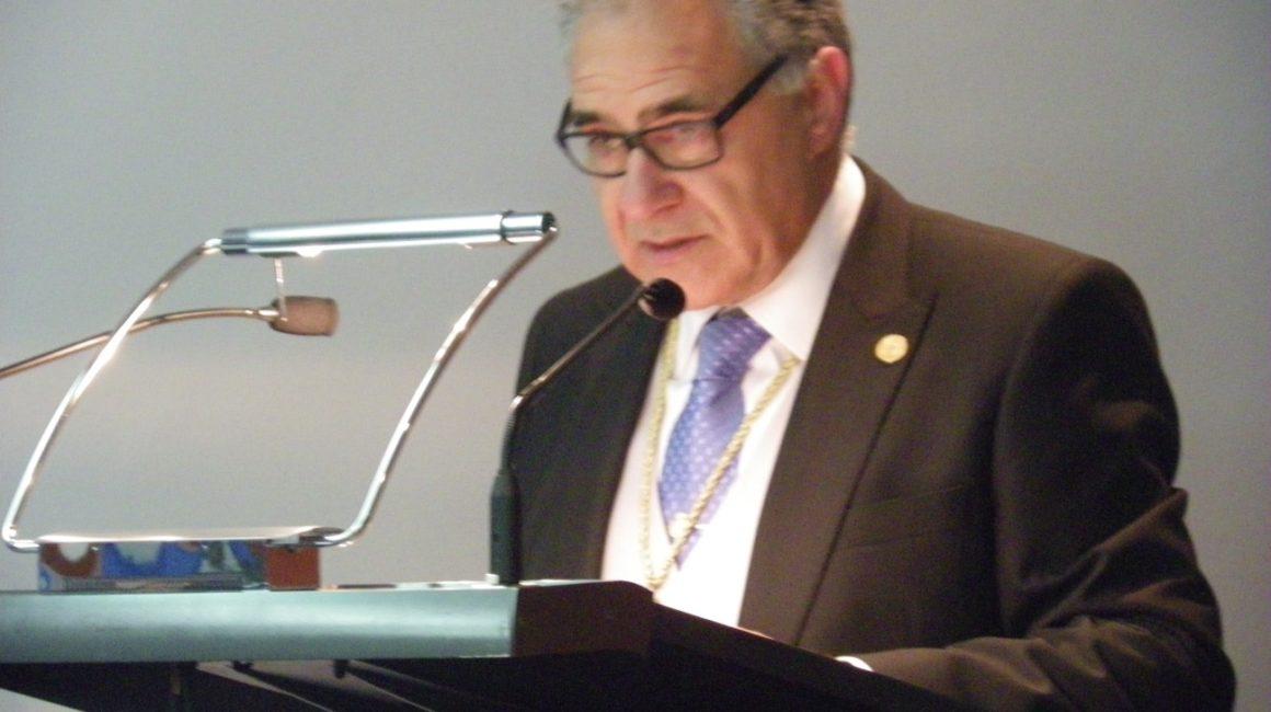 El Excimo. Sr. Dr. D. Francisco Dehesa presenta su libro en el ICOV Vizcaya.
