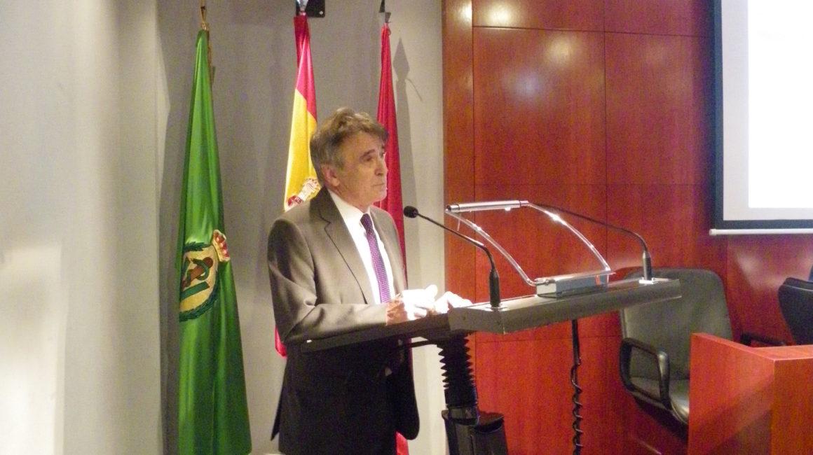 El Dr. Jiménez Colmenero pronuncia una conferencia en la sede de la Real Academia de Ciencias Veterinarias de España.