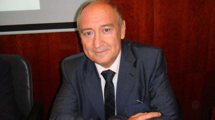El Teniente coronel médico Dr. Cuéllar Cariñanos interviene en la Real Academia de Ciencias Veterinarias de España