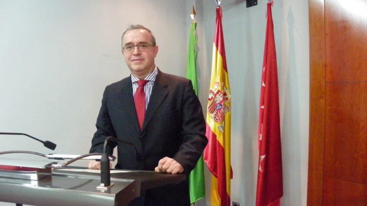 El Dr. Alberto Cique Moya, Teniente Coronel Veterinario, interviene en la Real Academia de Ciencias Veterinarias de España