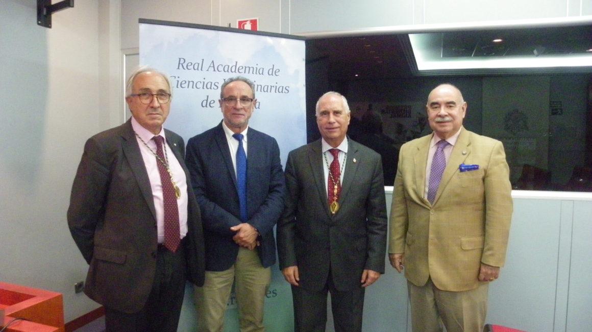 """Prof. Dr. D. José María Alunda Rodríguez interviene en sesión pública en la sede de la RACVE con un asunto de su especialidad: """"Vacunación frente a la hemoncosis: un objetivo posible"""""""