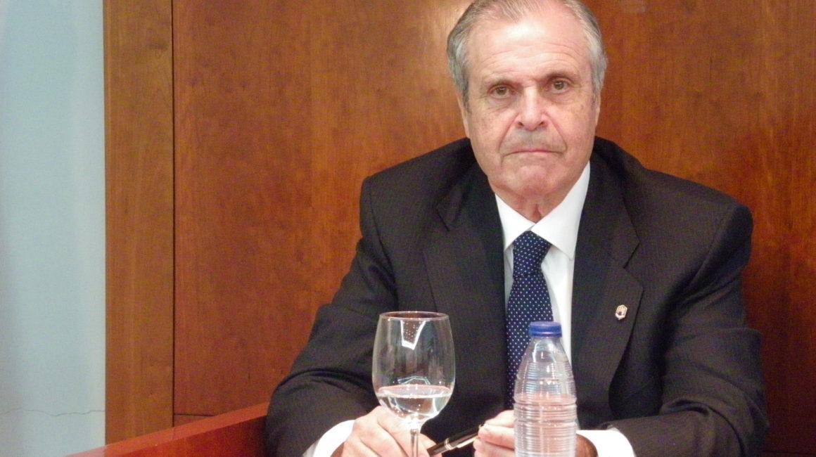 """""""Población, alimentos y seguridad alimentaria""""  El Dr. José Fernández-Salguero Carretero interviene en la sede de la RACVE"""