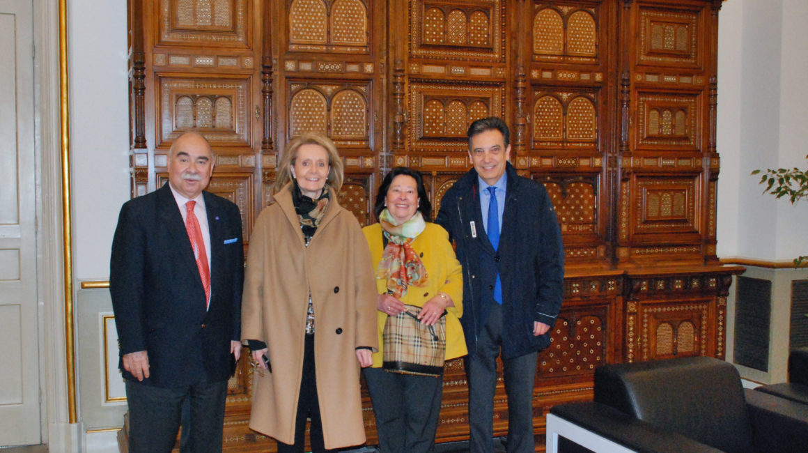 El Dr. Moreno Fernández-Caparrós interviene en la Acadèmia de Ciències Veterinàries de Catalunya.