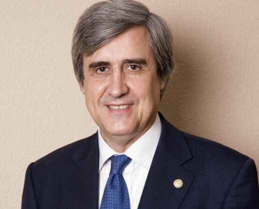 Presente y perspectivas de futuro del COVID-19. El Excmo. Sr. Dr. Juan José Badiola Díez interviene en la sede de la Real Academia